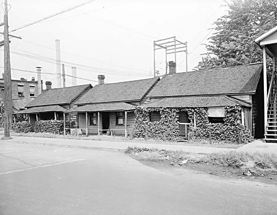 These three cabins survived the Great Fire of 1886 only to be demolished in the 1930s. City of Vancouver Archives REF. # GF N5.2