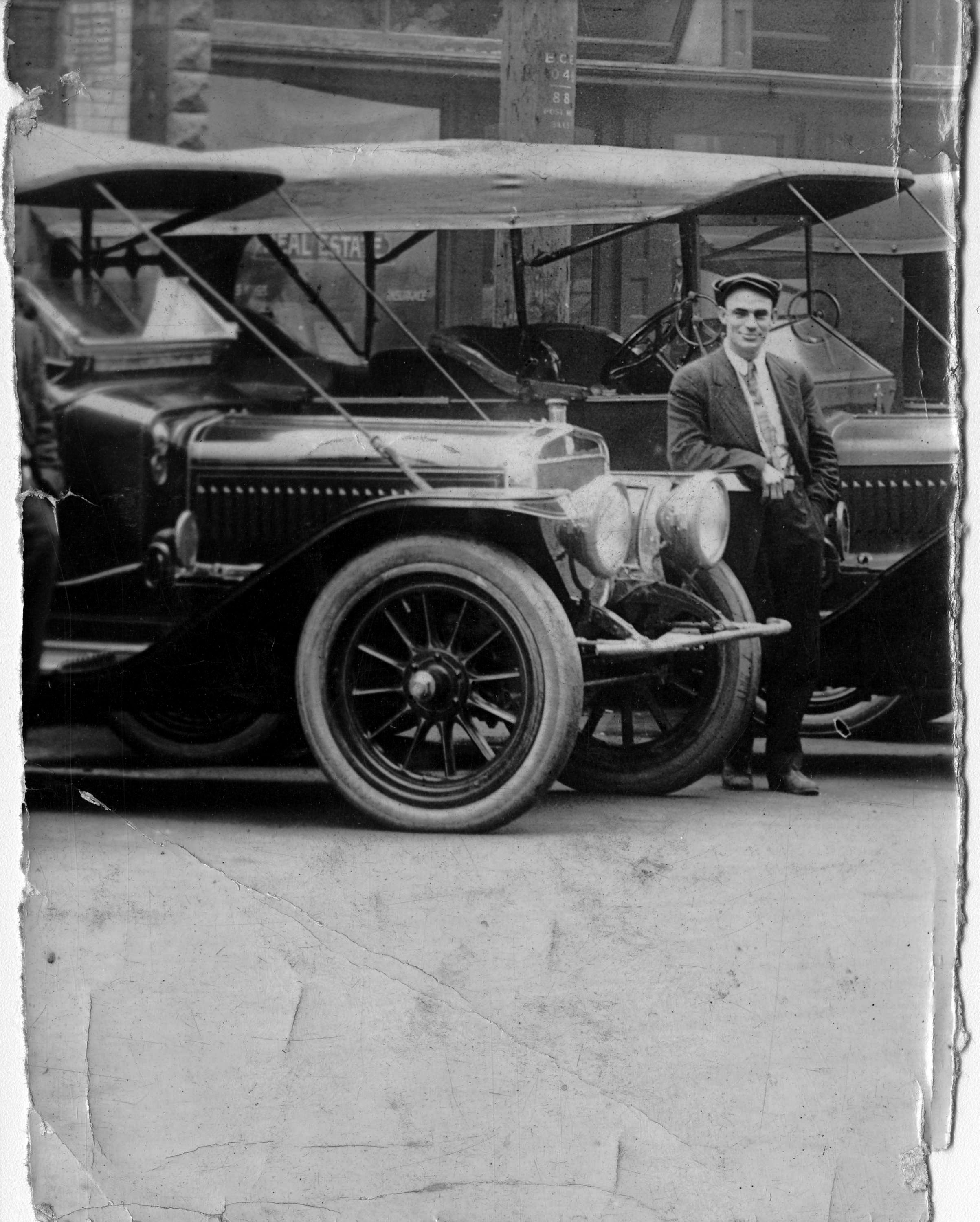 Harry Hooper in 1911. City of Vancouver Archives #371-397