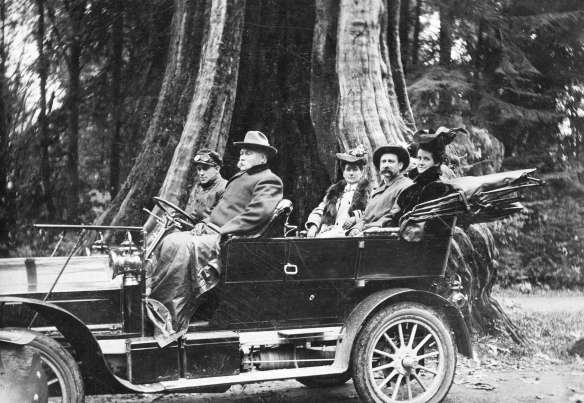 Harry Hooper chauffeuring John Hendry at the Hollow Tree, 1906. CVA #Trans P29