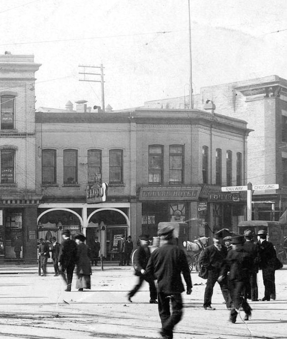 The Louvre Hotel and Bijou Theatre in 1910. The Merchants Bank building replaced the one on the left in what's now Pigeon Park at Carrall and Hastings. City of Vancouver Archives #Str P416 (cropped)