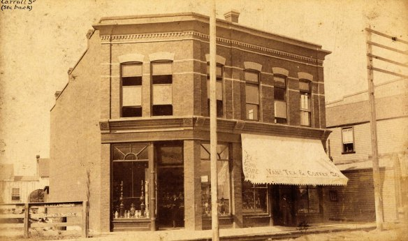 Vancouver Tea & Coffee Co., 1889. Photo by Bailey and Neelands, City of Vancouver Archives #Str P68